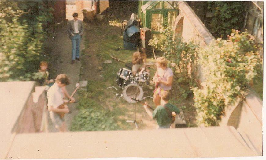 garden-rehearsal-in-didsbury