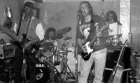 1993 zaframoon ( live ) (2)